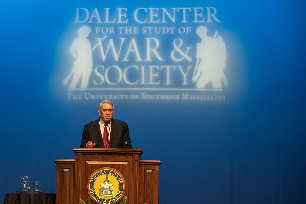 Dan Rather Delivering the 2019 Dale Distinguished Lecture