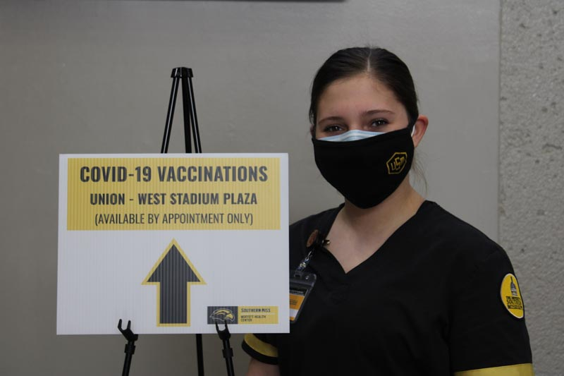 Nursing student Kayla Pate (BSN '21) assisted with vaccine distribution at USM and Hattiesburg Clinic.