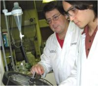 photograph of SEED students working in the laboratorry